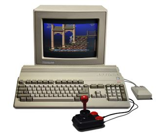 Amiga 500 (playing Leander)